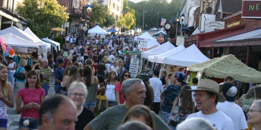 Thursday Night Market and Music Festival – H. Levine