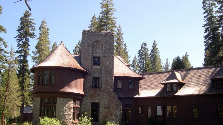 Pine Lodge, north view – Susan Grove