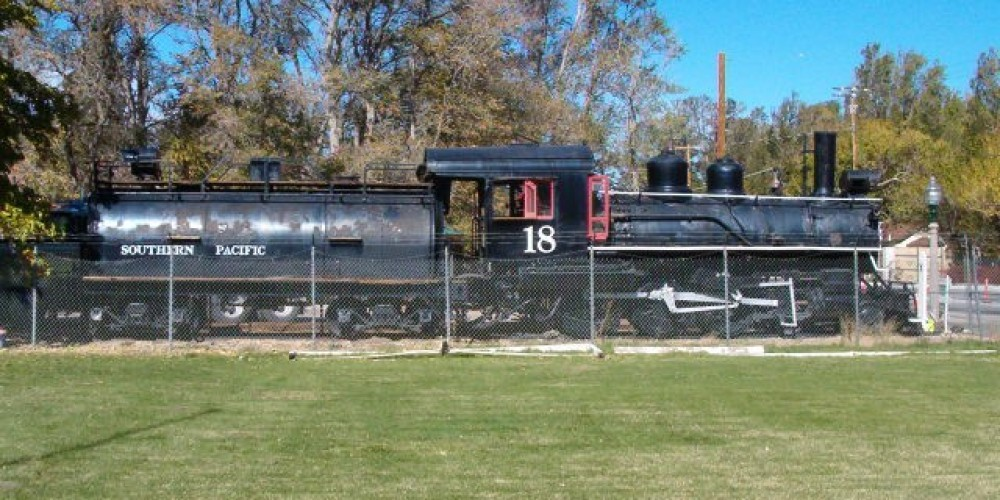 Slim Princess steam locomotive and tender – J Stroh
