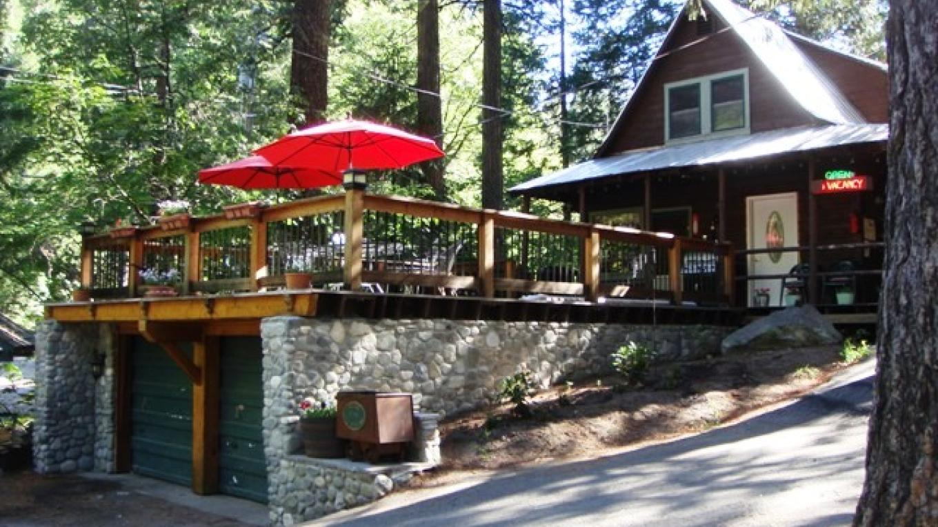 Yuba River Inn Office – R. Hertzberg