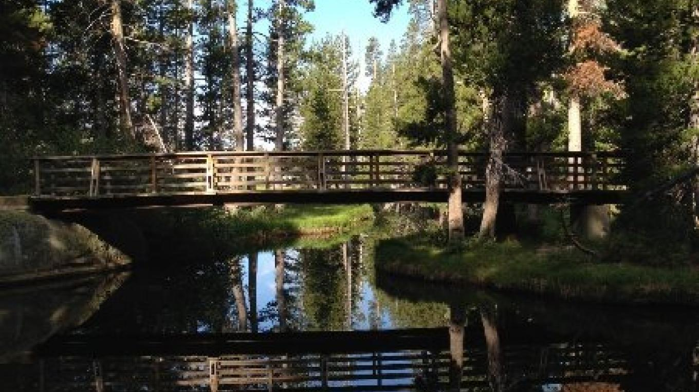 Wright's Lake is a non-motorized lake popular with kayakers and paddlers. – www.SierraSkiandCycleWorks.com