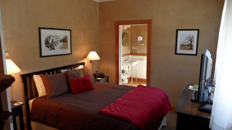 Room 2 - Daffodil – Tracey Berkner
