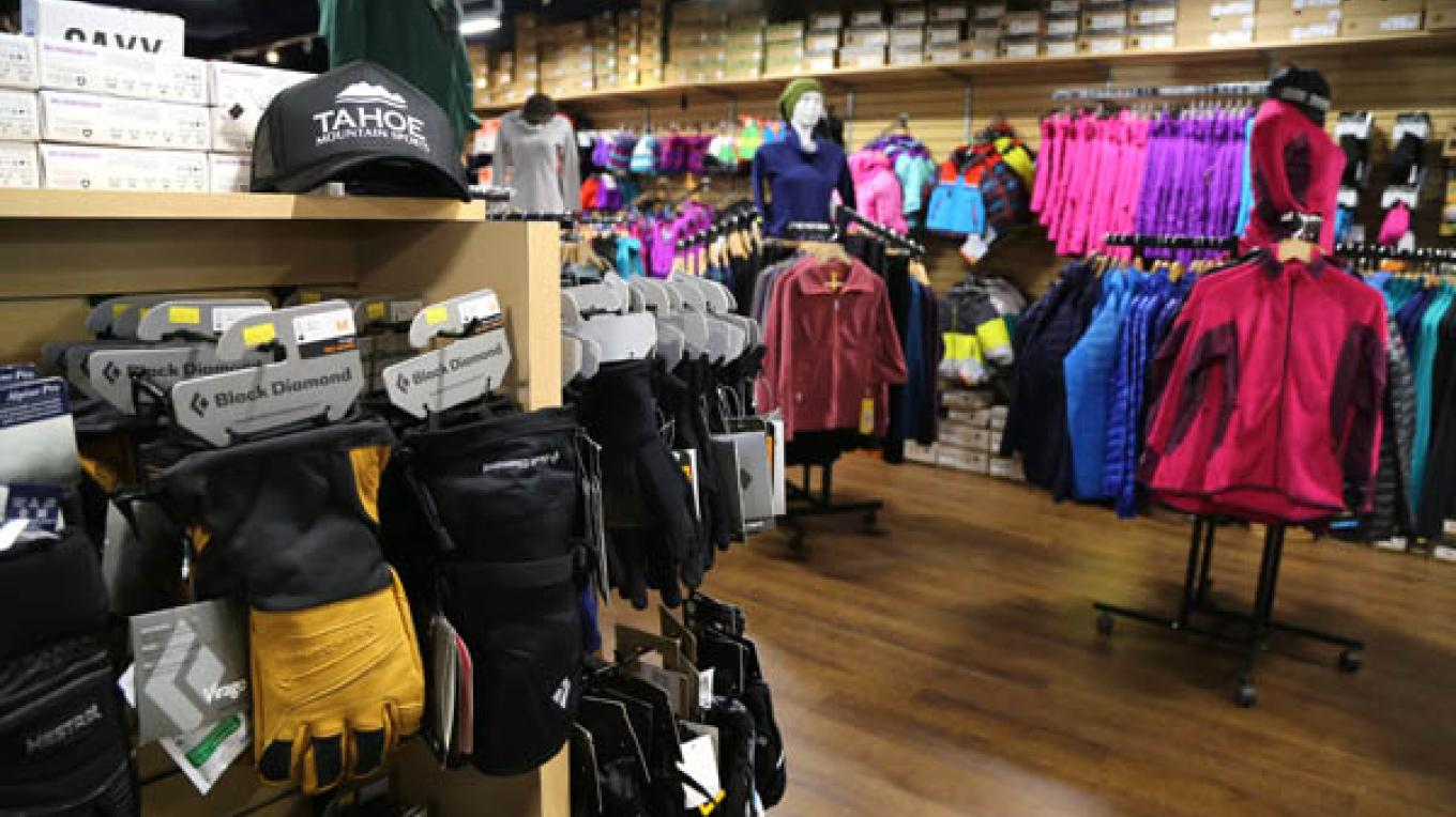 Gloves, base layers and kid's outerwear are stocked for you at TMS! – High Sierra Marketing