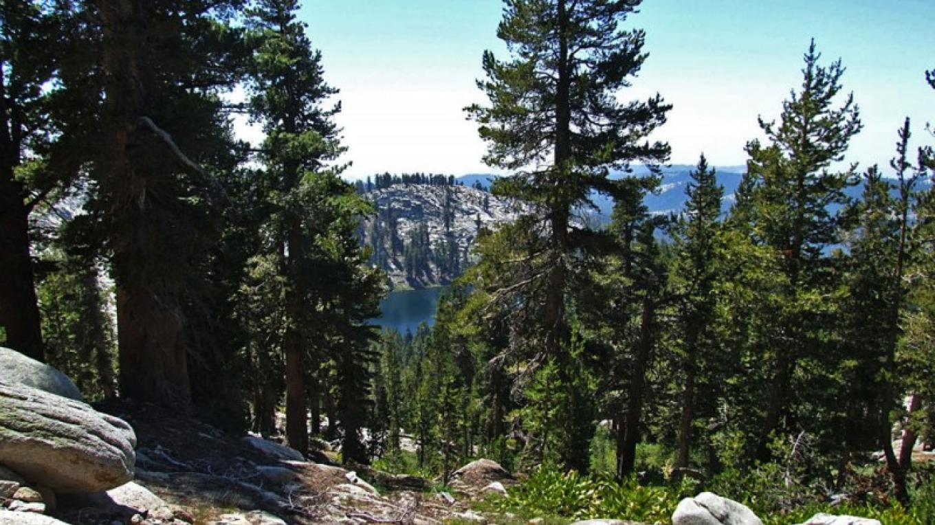 The trail winds above Twin Lakes on the way to Silliman Pass – NPS