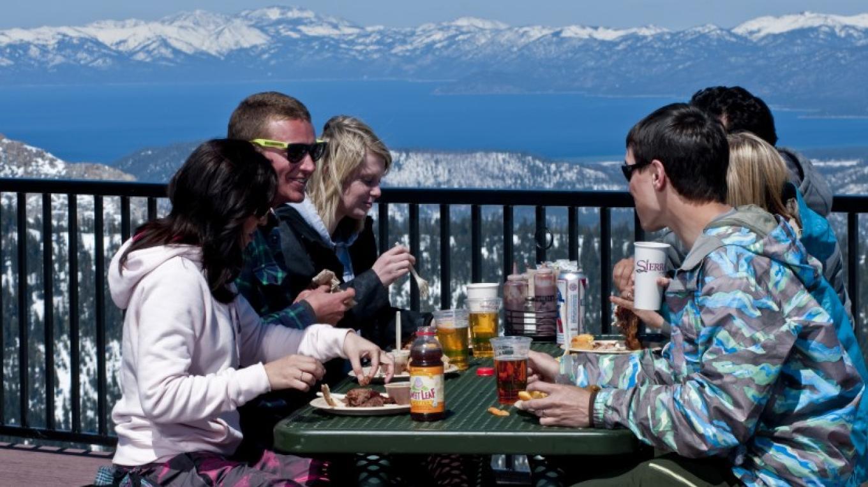 The 360 Smokehouse BBQ offers brews, views & BBQ. – Jorik Blom