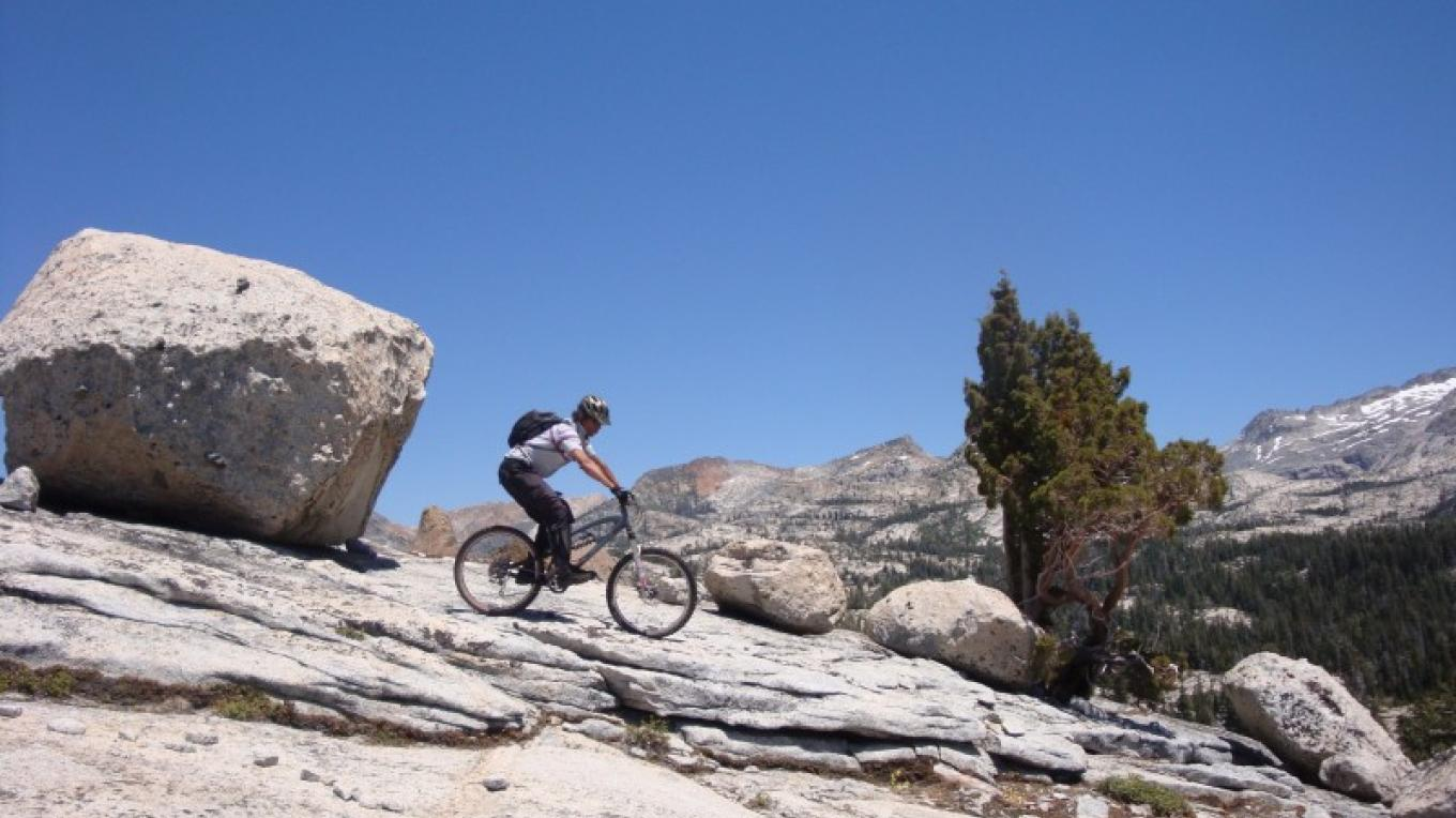 Sierra Ski and Cycle Works in South Lake Tahoe rents mountain bikes, and sells Santa Cruz and Jamis bikes. Gary, Chris and McCall will give you the inside scoop to epic Sierra trails too! – www.SierraSkiandCycleWorks.com