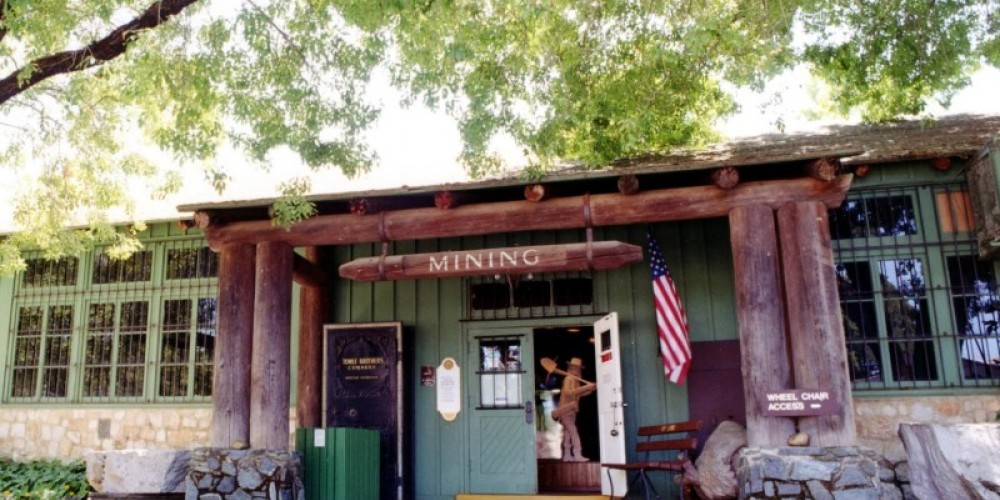 The entrance of the Gold Country Museum – Keith Sutter