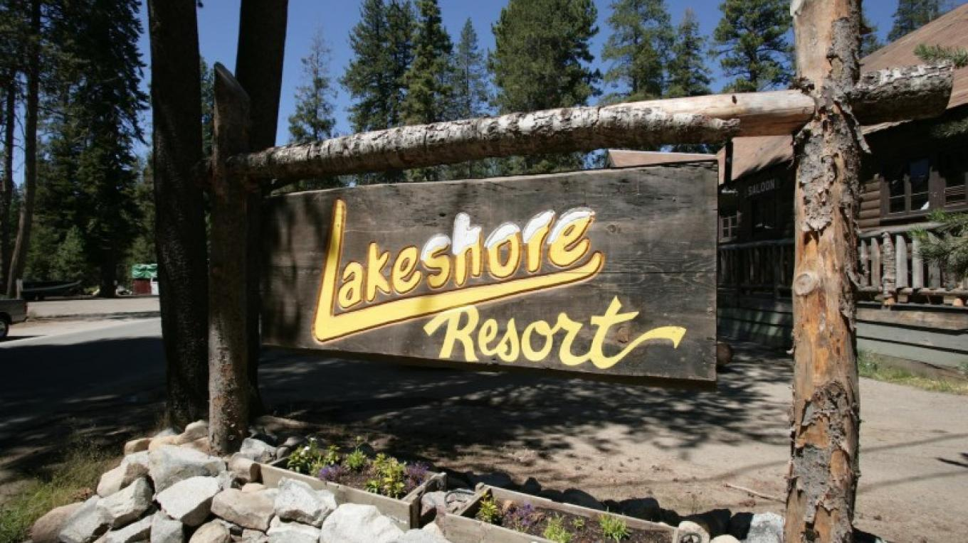 Welcome to Lakeshore Resort – John Alden