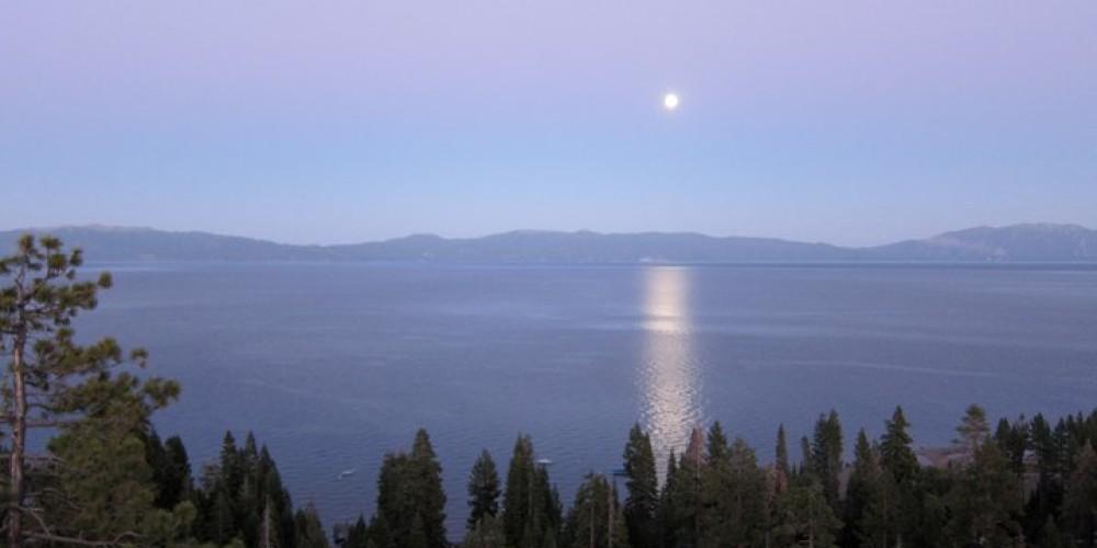 Moon over Lake Tahoe. – Lake Tahoe Resort Hotel