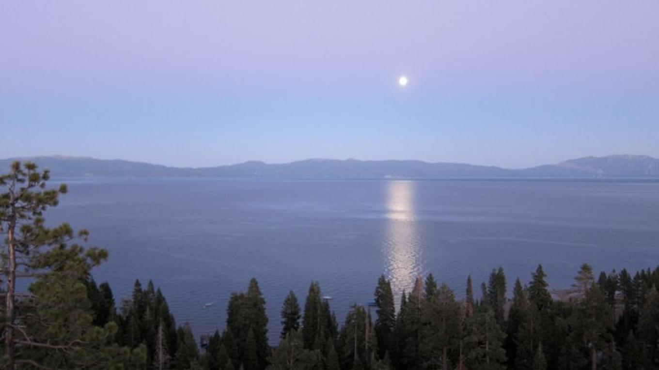 Moon over Lake Tahoe. – Lake Tahoe Resort Hotel