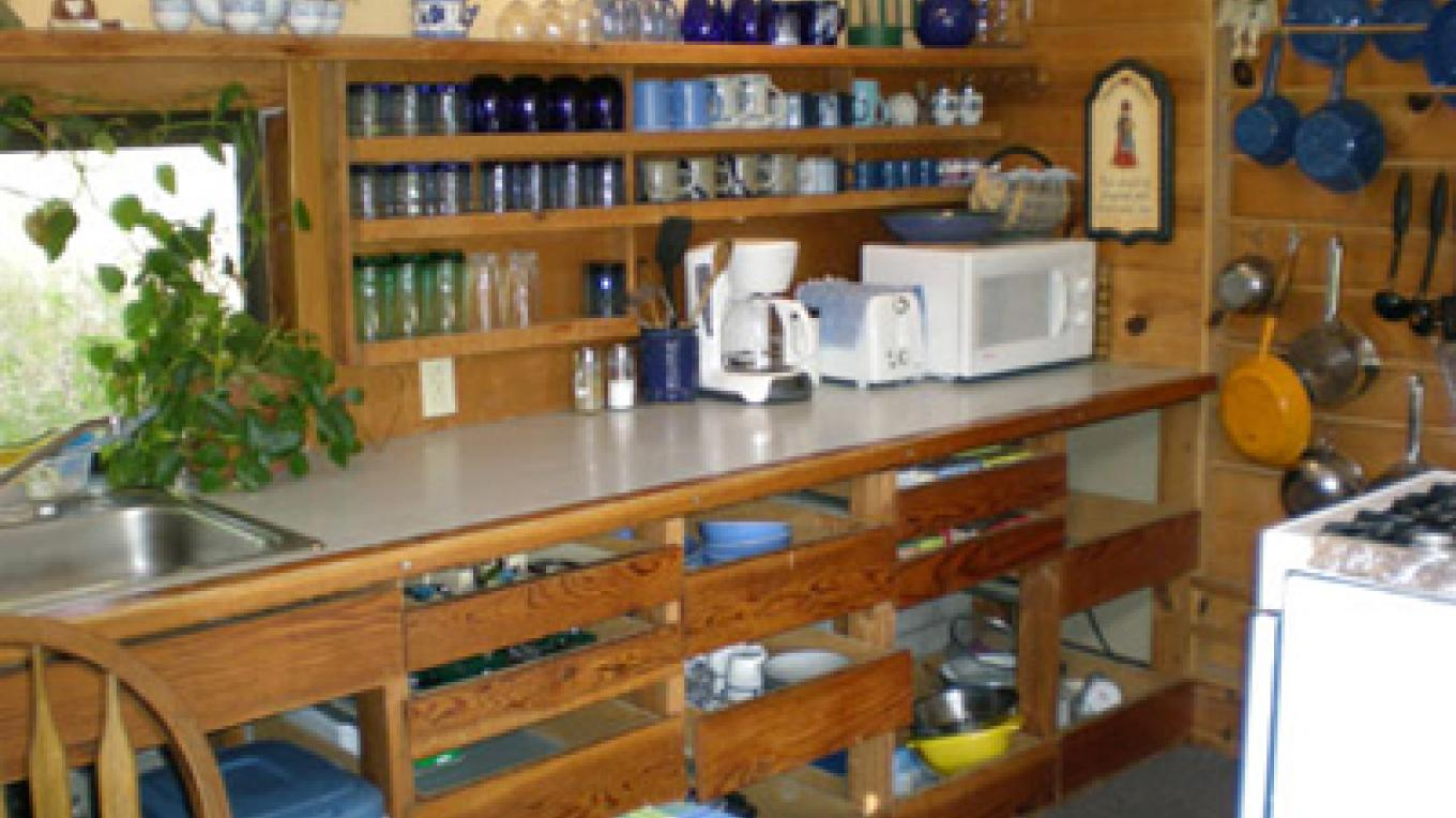 Cort Cottage Bed and Breakfast, view of kitchen – Elsah Cort