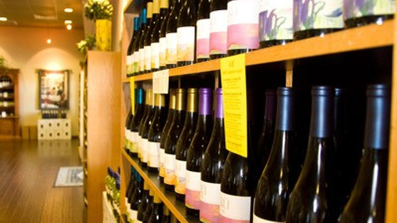 Wines lined up on the Madera Wine Trail – Bob Marcotte