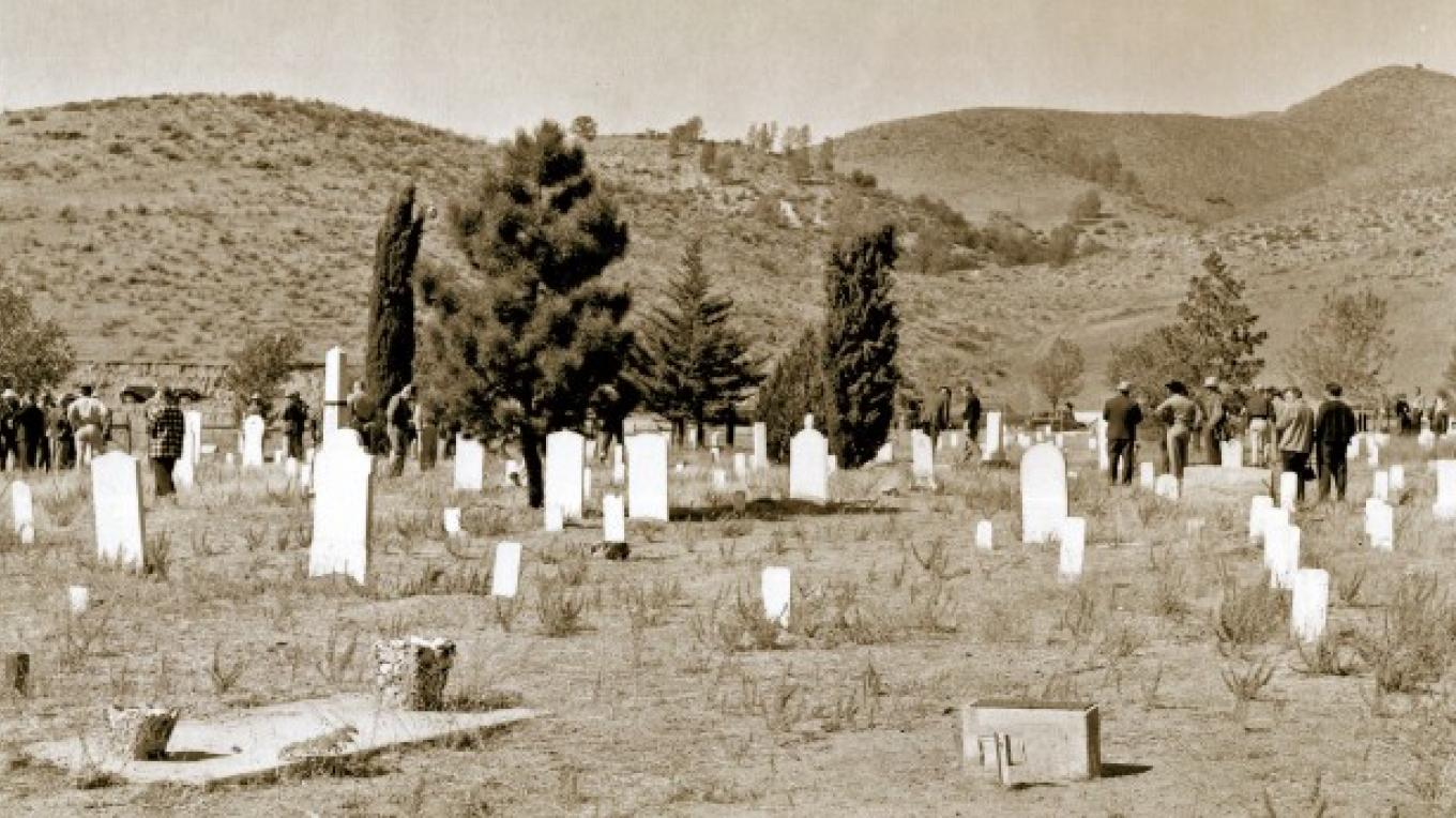 Historic photo of Kernville Cemetery circa 1950, looking W from side of cemetery adjacent to the N fork of the Kern River. – unknown