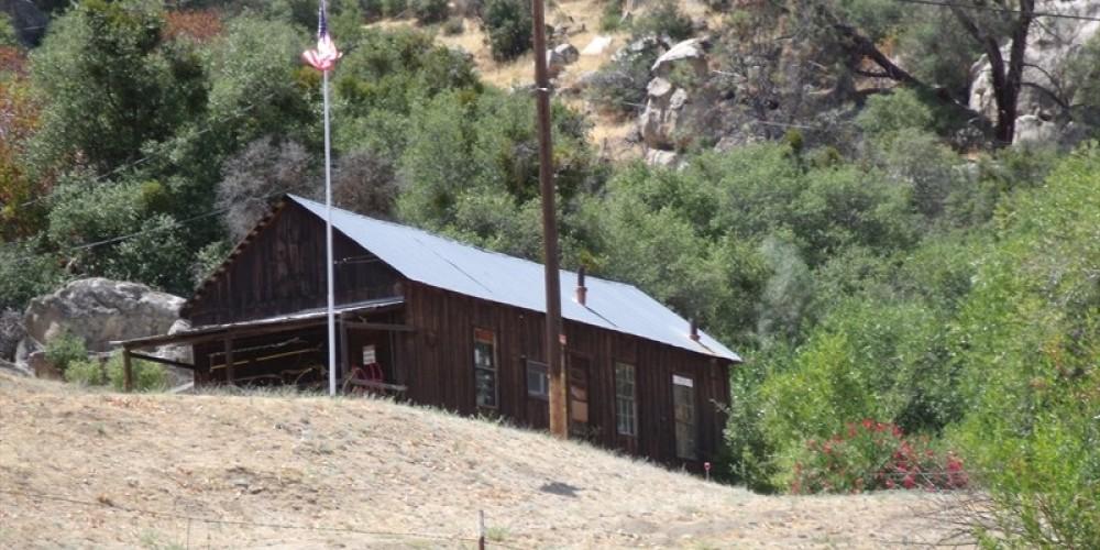Keysville's last standing building – Death Valley Jim