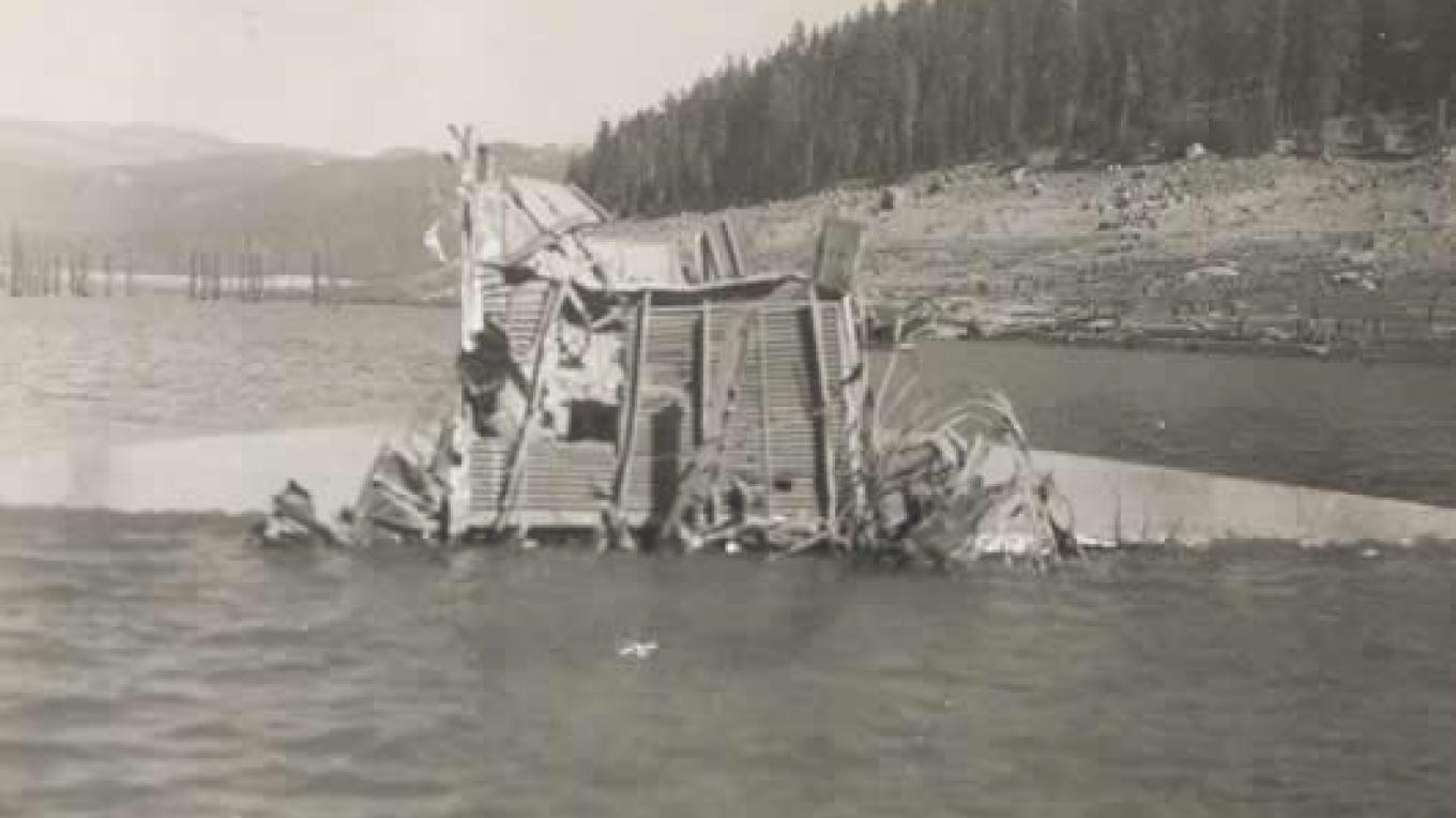 B-24 Bomber crash in Huntington Lake December 1943. – Huntington Lake Big Creek Historical Conservancy