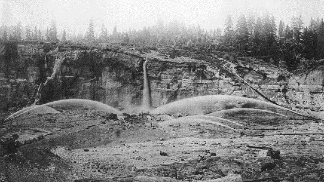 The scene of hydraulic mining tearing apart the mountainside – sciencedirect.com
