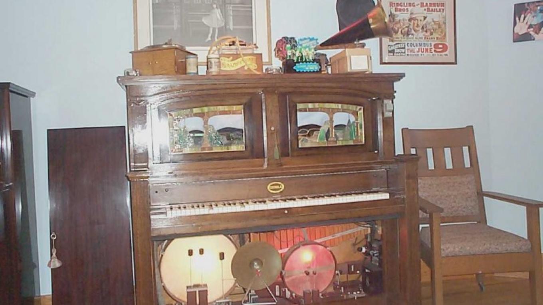 Coinola Piano – John Mottoros
