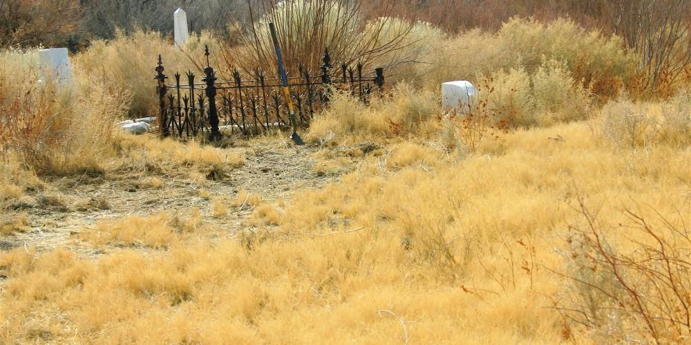 Diaz family plot, early ranchers. – Langley