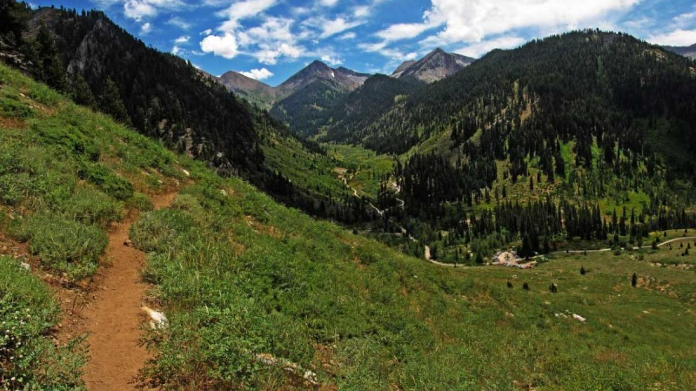 Beautiful views of Mineral King Valley await hikers of the Crystal Lake Trail. – RCain/NPS