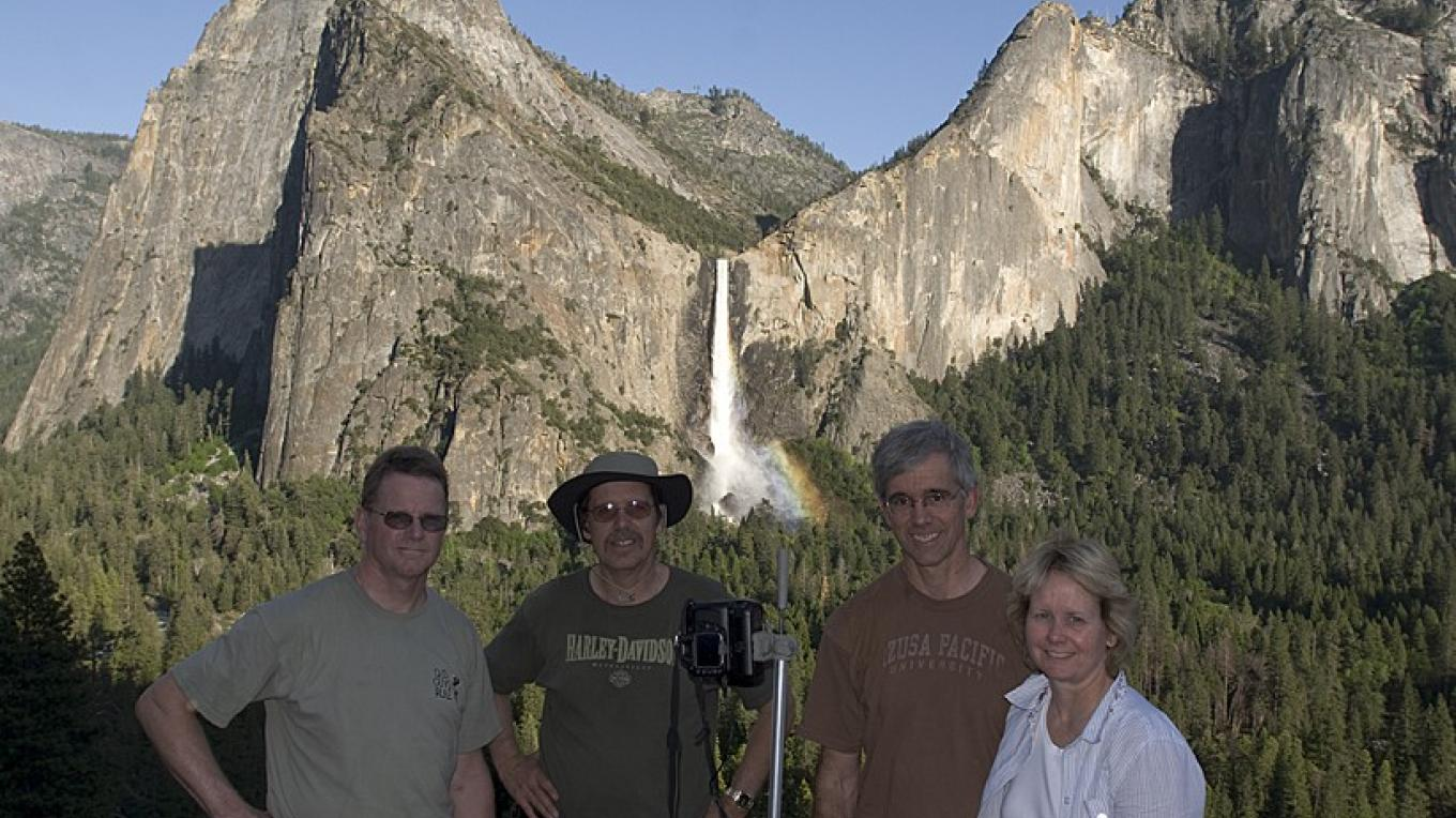 Yosemite Photo Session: Twin Valleys Waterfall Workshop – Walter Flint