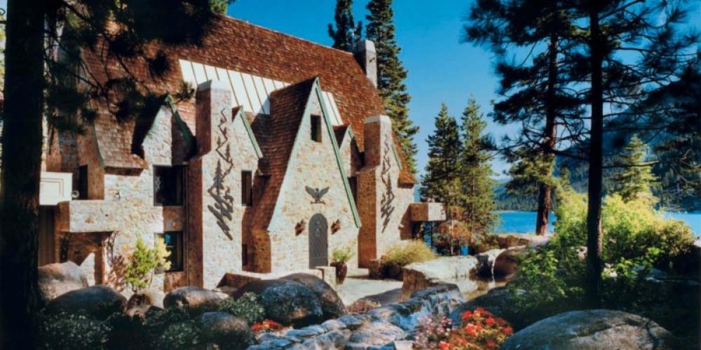Historic Thunderbird Lodge Entry