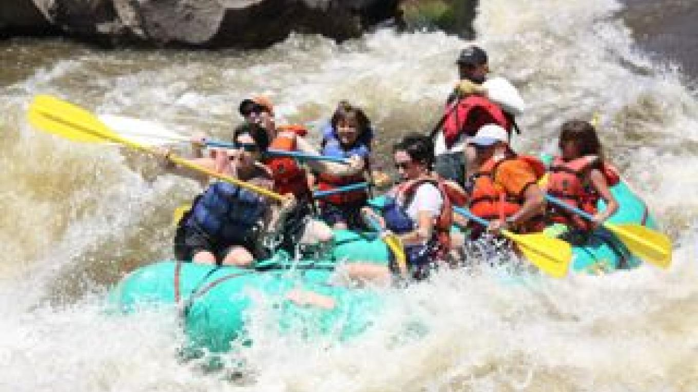 Rafting on the Racecourse run on the Rio Grande – Southern Exposure