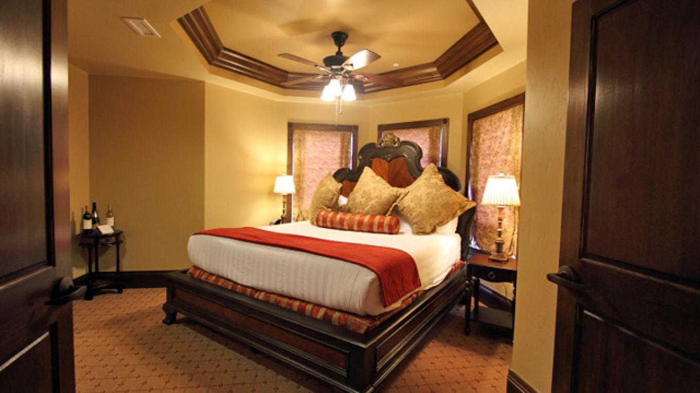 "The ""O"" Suite at the Ecoluxe, the 1st Gold LEED hotel in Colorado, named after Oprah's road trip visit in 2006. – The Springs Resort"