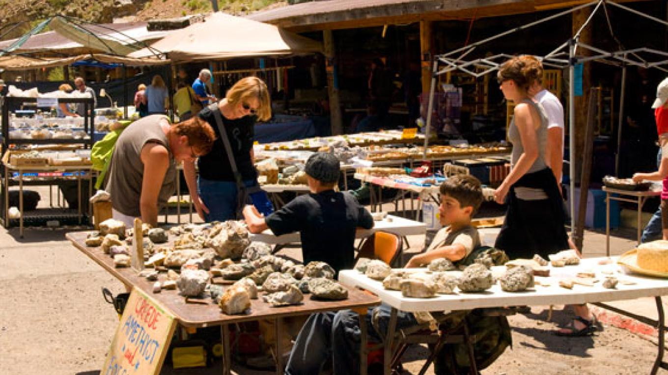 Outdoor vendors and spectators at the Creede Rock & Mineral Show – Kara Brittain