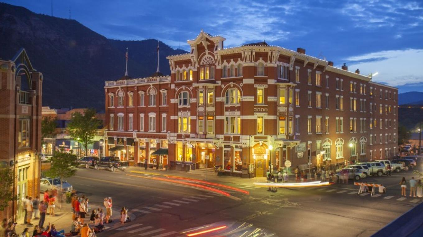 Evening comes alive outside the historic Strater Hotel in Durango, Colorado. – ImageSmith Photography