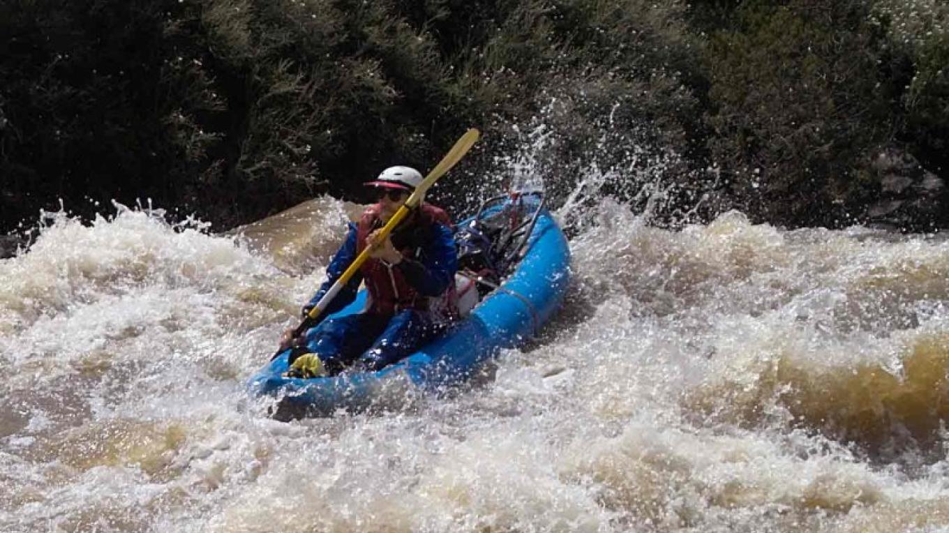 Single kayakers blast down the Rio Grande – BLM