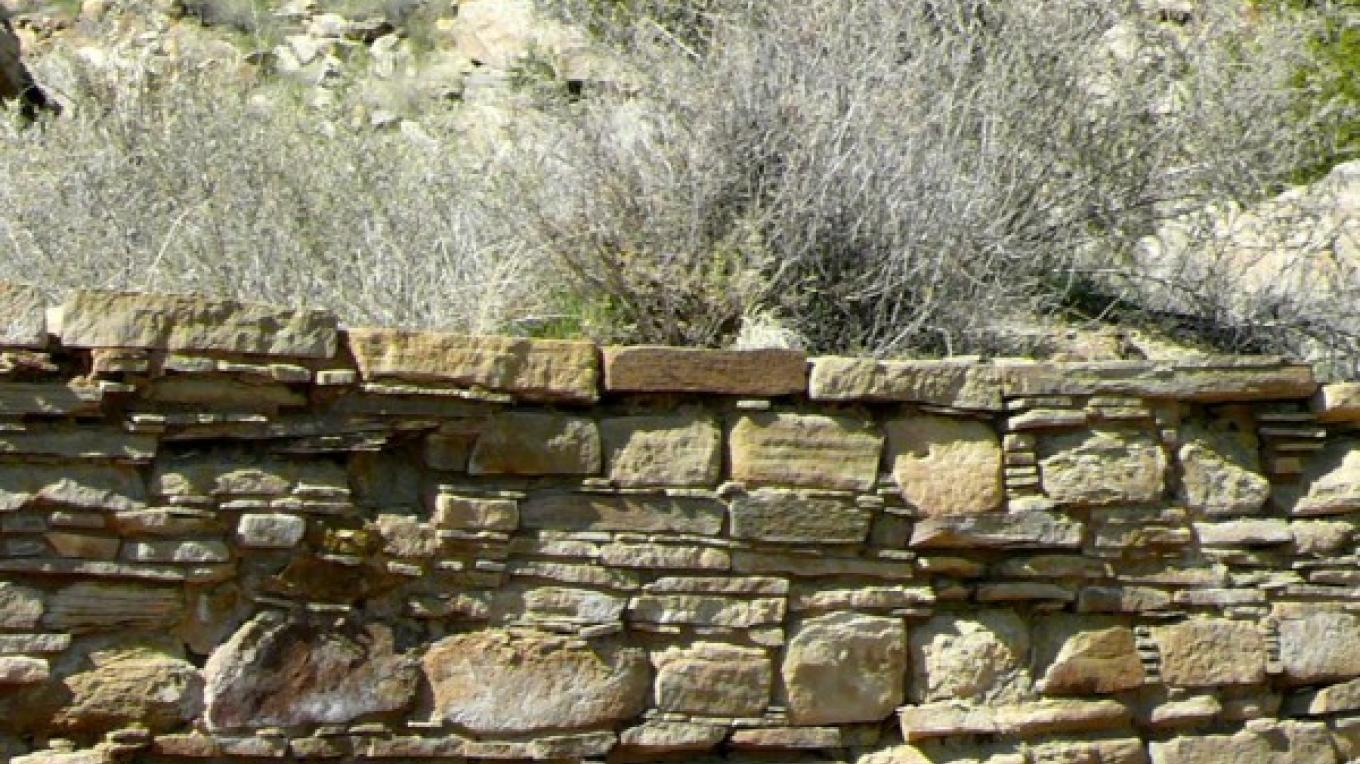 Wall portion at Village of Great Kivas showing Chacoan influence. – Tom R. Kennedy