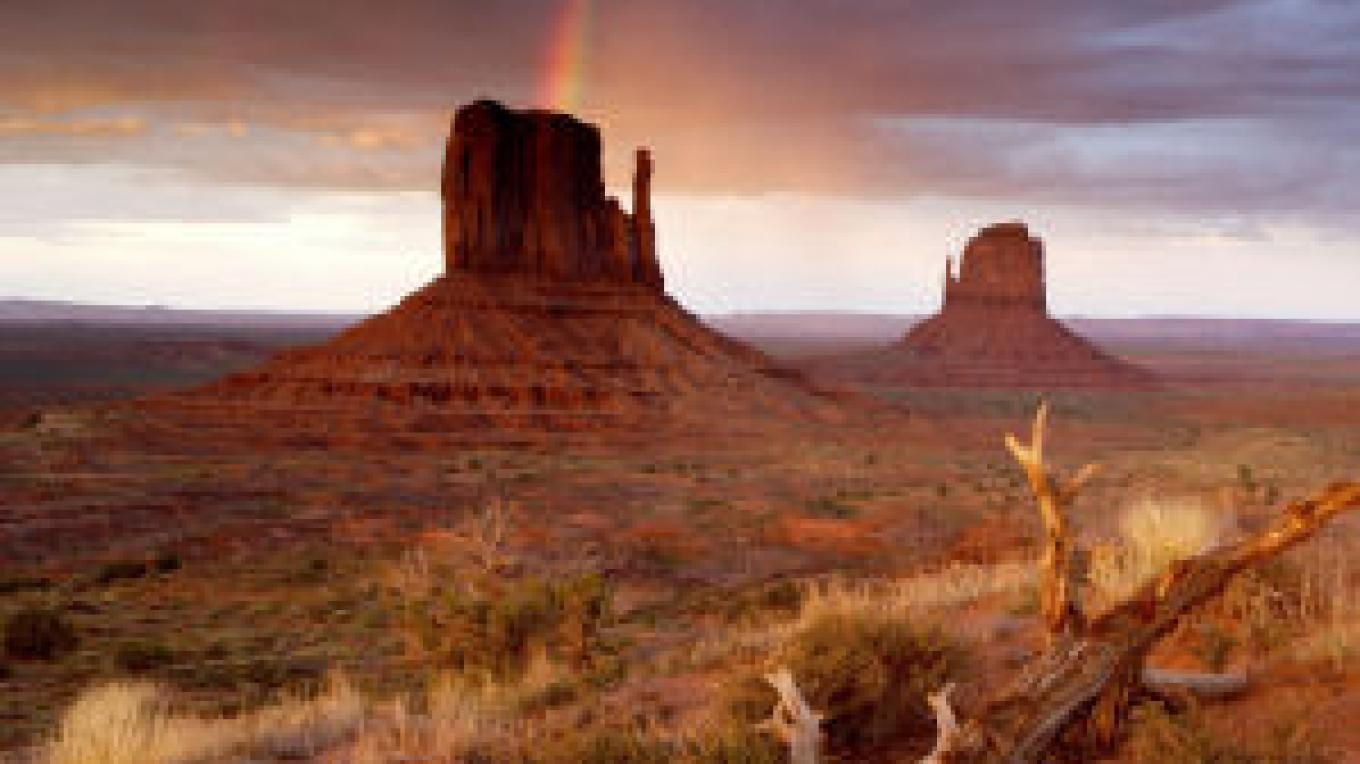 The Mittens formation in Monument Valley – iStockphoto.com