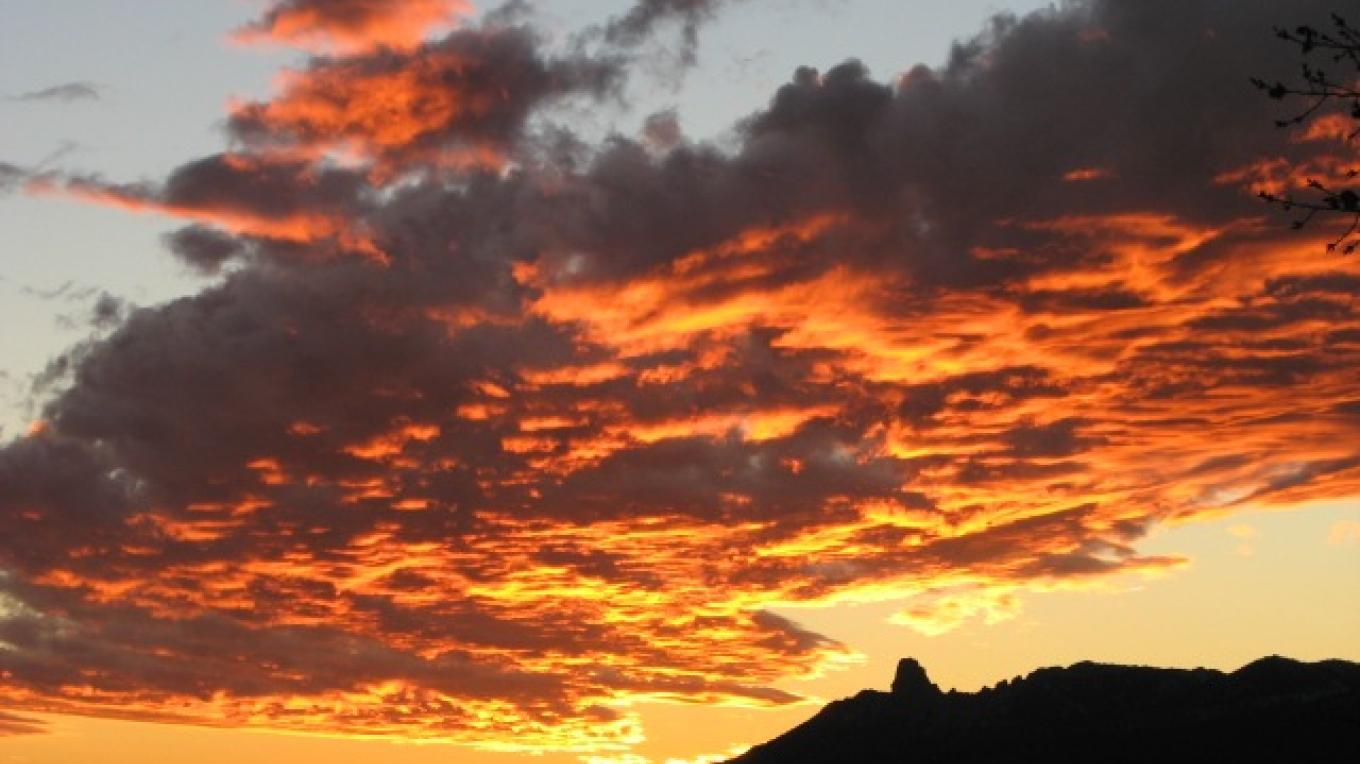"Sunset over the ""toe"" of the Sleeping Ute mountain – Rebecca Brunk"