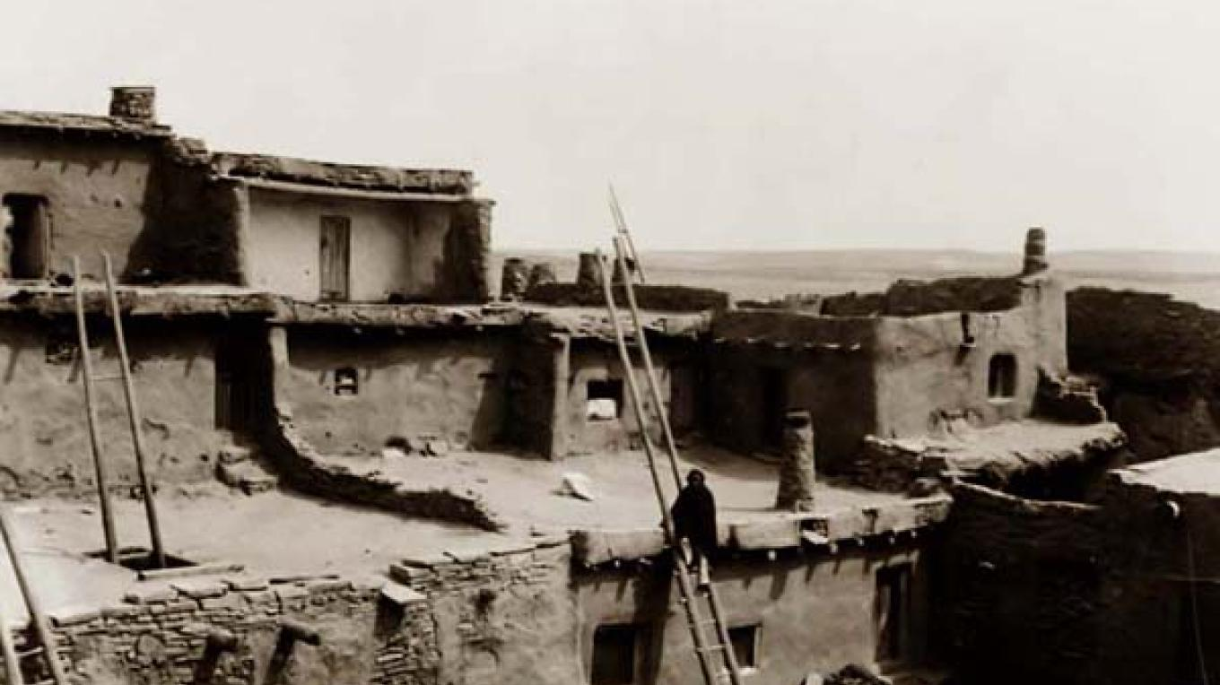 The Zuni Pueblo in 1903 – Edward S. Curtis
