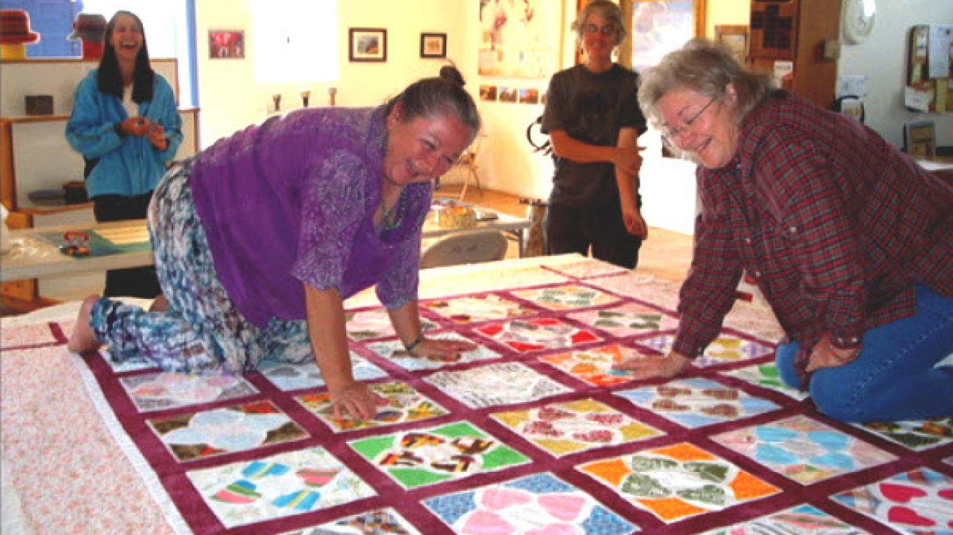 There is nothing quite like an old fashioned quilting bee at the Old School Gallery. Are we having any FUN yet?  I think so!! – El Morro Traditional Crafters