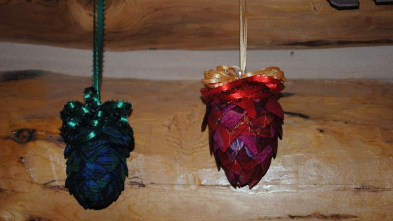 Pinecone ornaments – Jake LaFoe