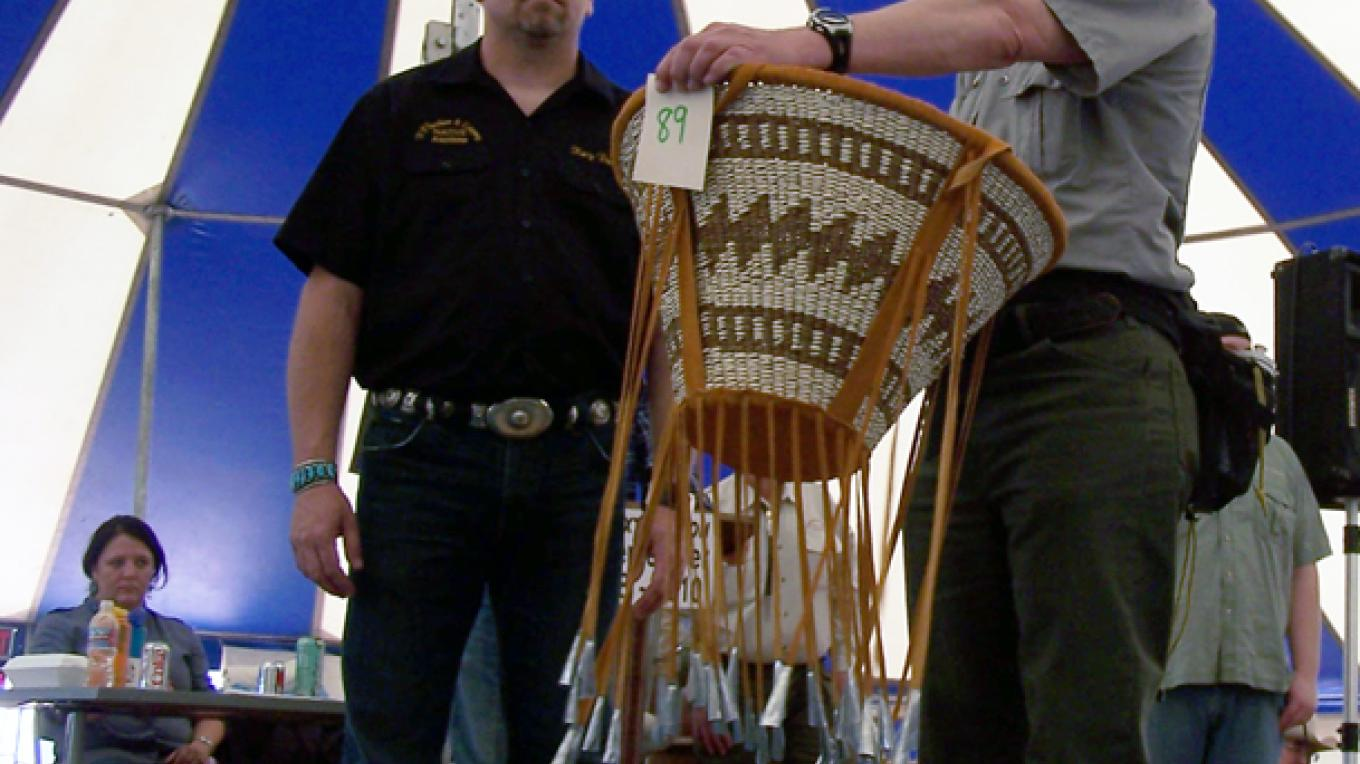 Apache Burden Basket offered at the Hubbell Auction – Donna Davis