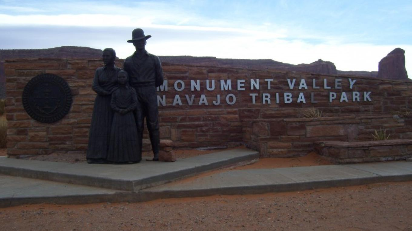 Entrance to the Navajo Tribal Park.