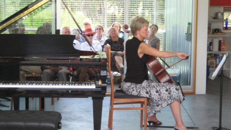 Karen Hall, Cello
