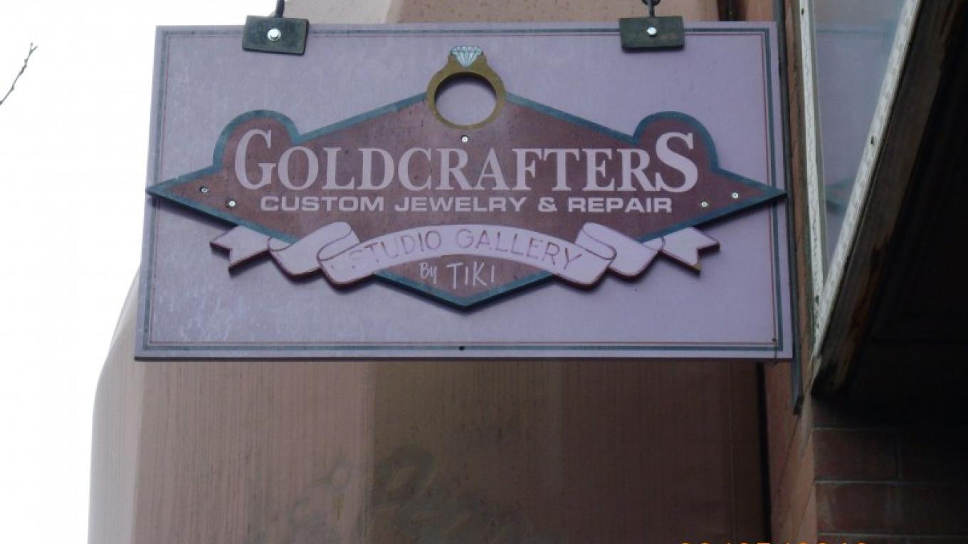 small goldcrafters sign @ tiki's – Tiki Carpenter