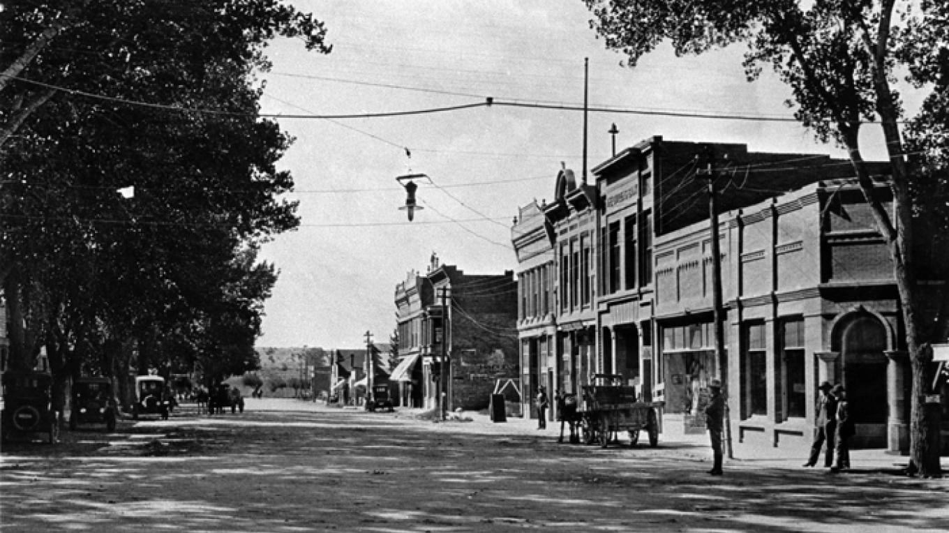 South Main Ave in 1910.
