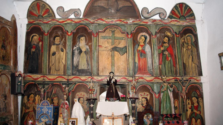 Main altar. – Richard L. Rieckenberg
