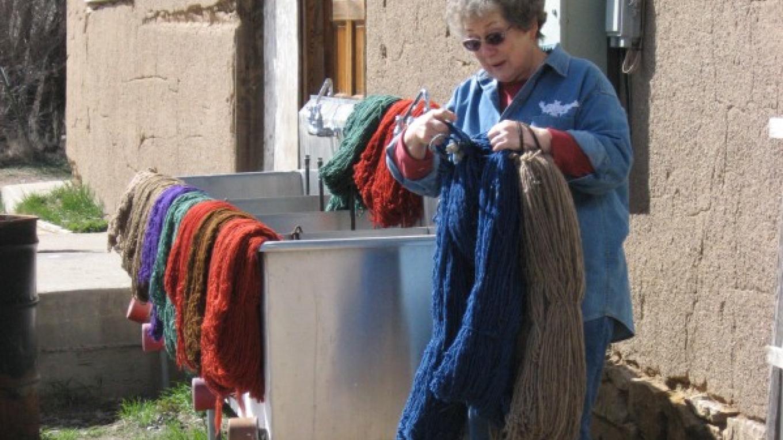 Lupe Valdez dyeing yarn. – Alyce Elliott