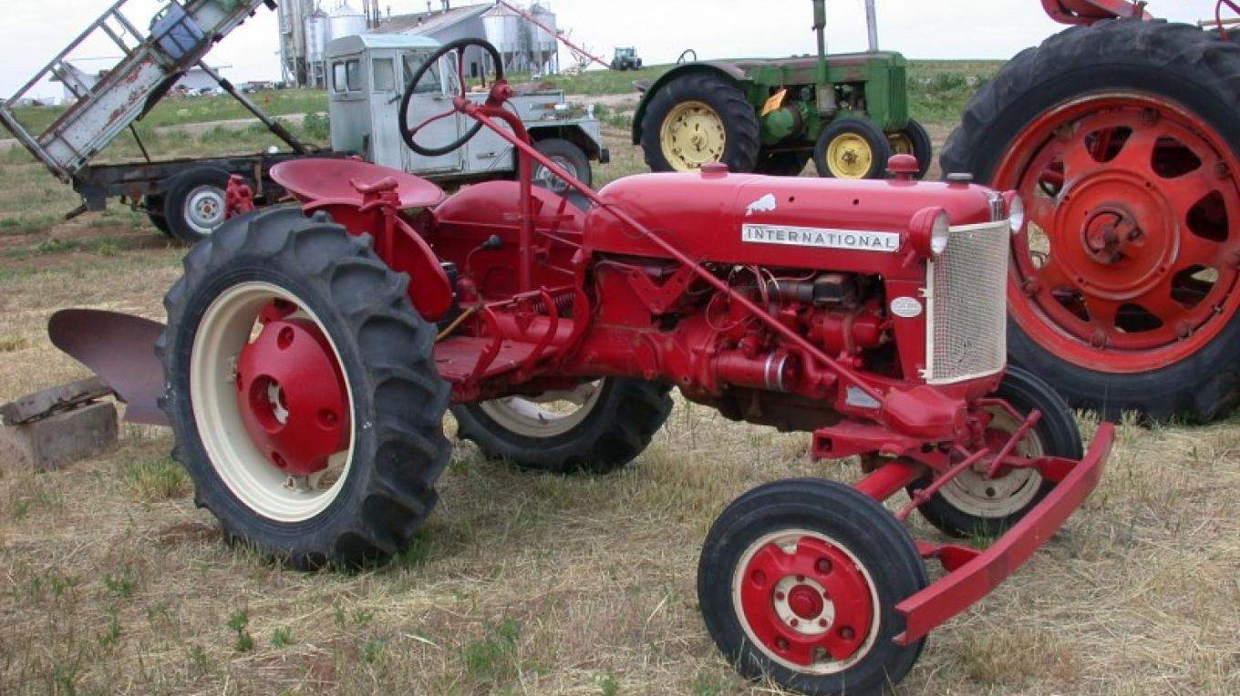 Antique Tractor – Courtesy Antique Tractor Outdoor Museum
