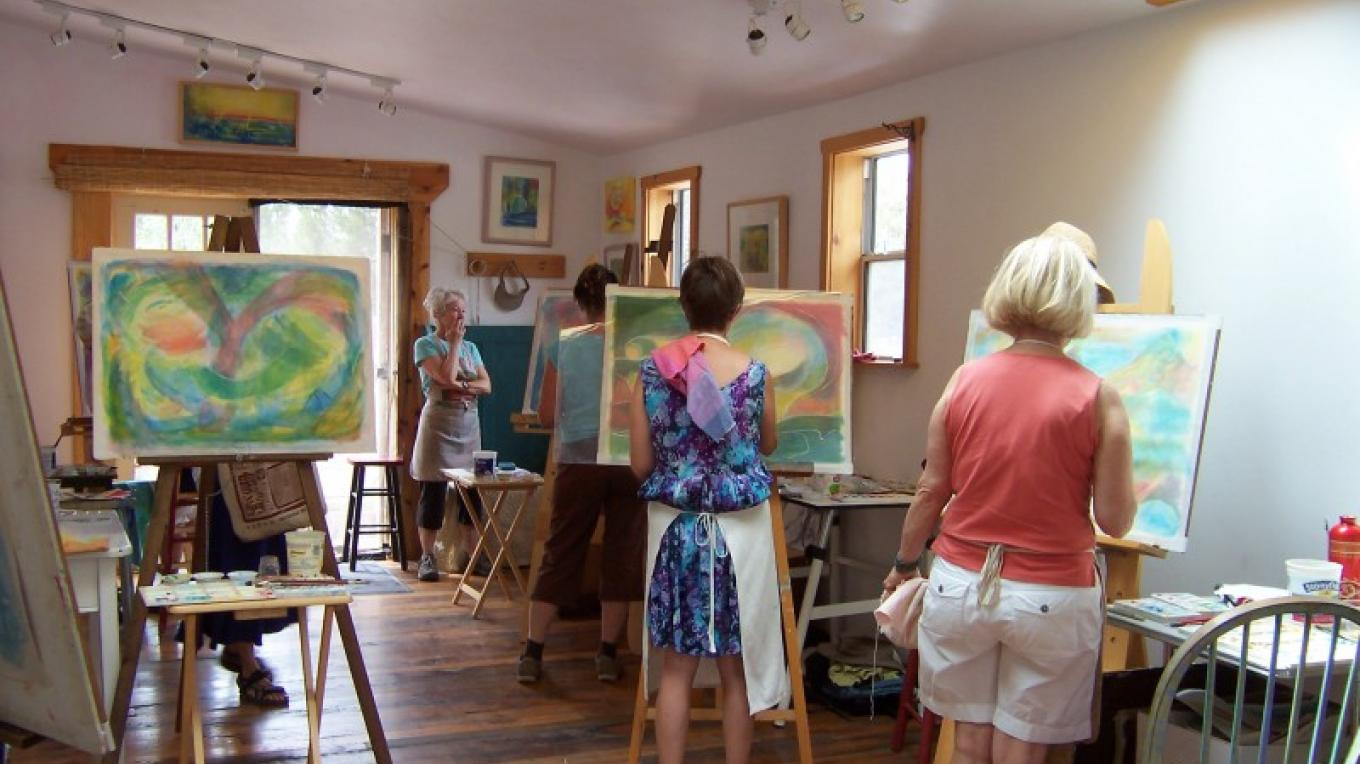 students in her Crestone studio Art Retreat 2010 – jennifer thomson