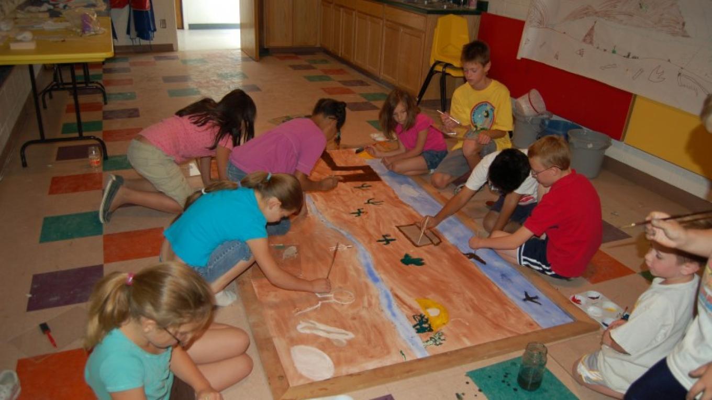 Art Camp paints a mural – Kelly Hile