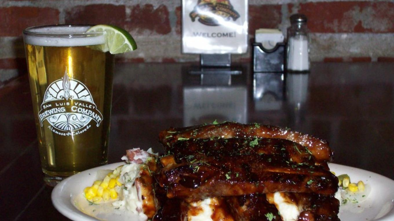 Memphis BBQ Ribs & Valle Especial, Mexican Lager