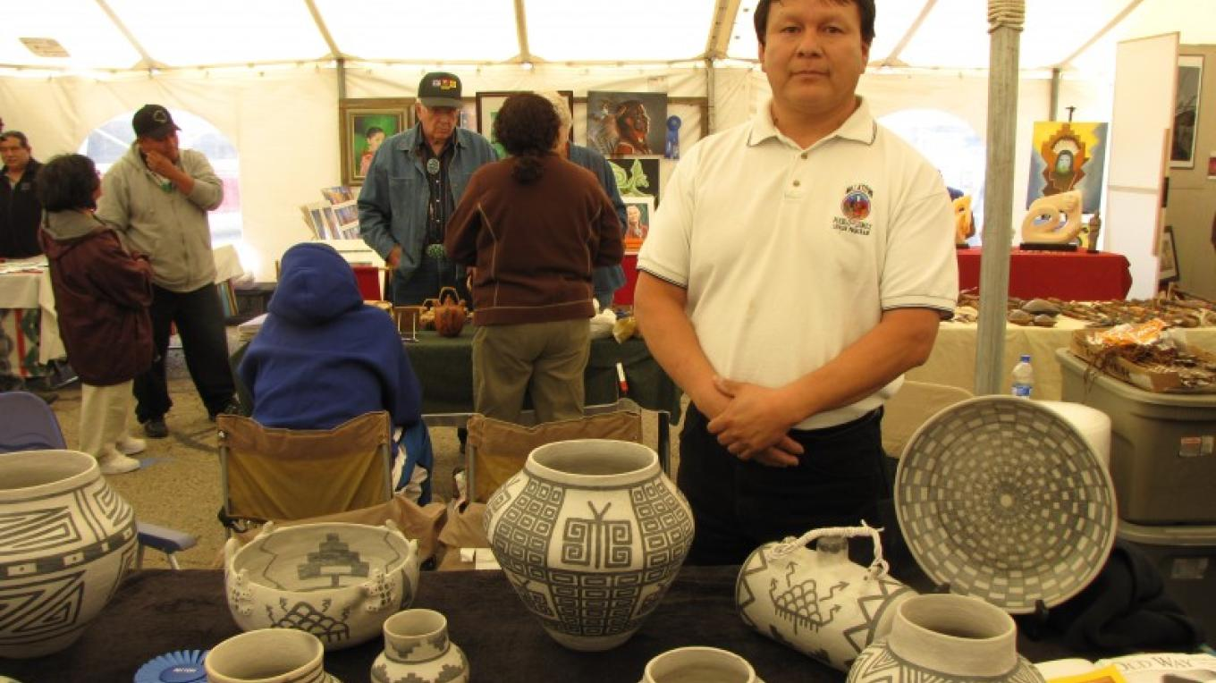 Traditional Jemez Pottery at Juried Indian Art Market – Sandy Feutz