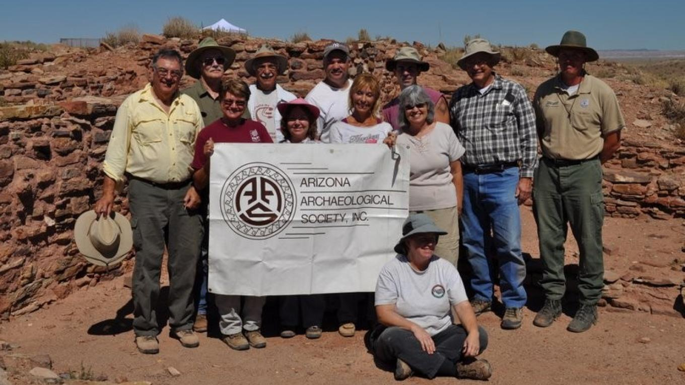 Avocational Archaeologists from the Arizona Archaeological Society  perform stabilization work on the old walls of Holmolovi II during several weekends each year. – Ron Robinson