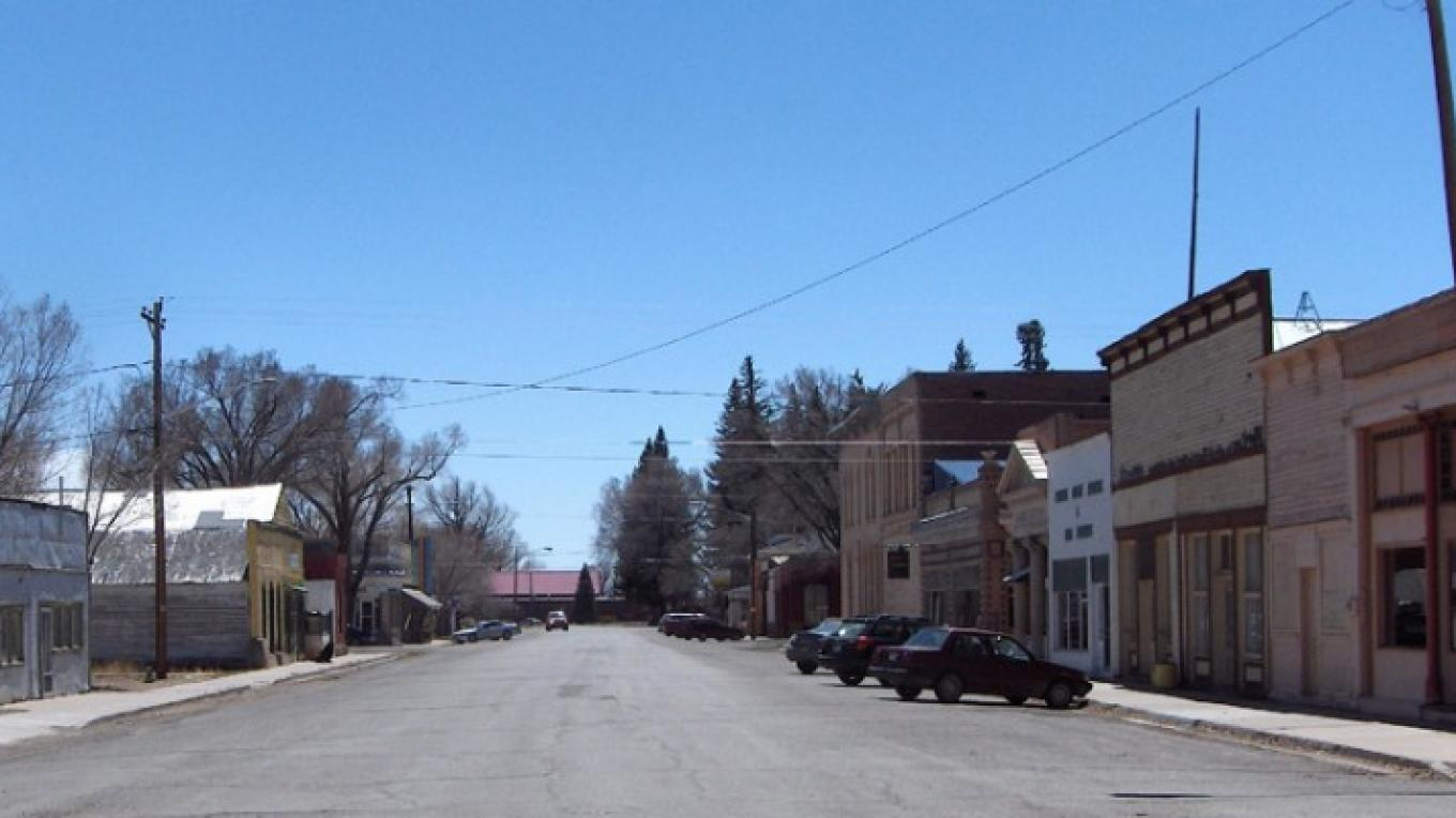 4th Street – Leigh Mills